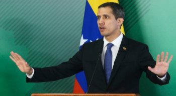 Autoproclamado presidente interino da Venezuela, Guaidó acusou o governo de tentar fechar o legislativo