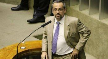 Abraham Weintraub foi convocado a participar da comissão geral da Câmara nesta quarta-feira (15)
