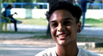 Gabriel Ventura se identifica como homem trans e enfrenta o preconceito dentro de casa