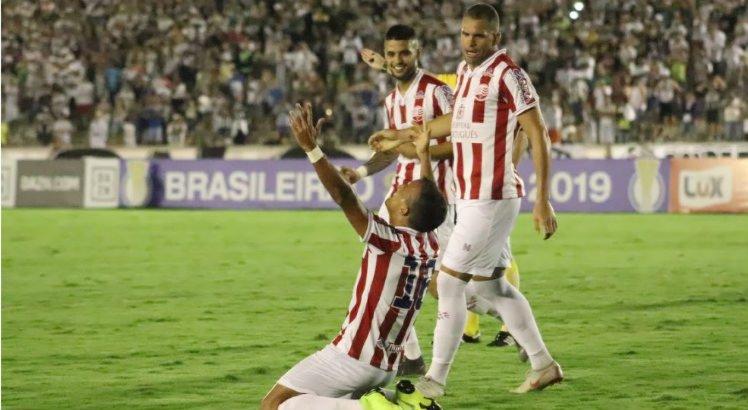 Matheus Carvalho marcou o único gol da partida, ainda no primeiro tempo.