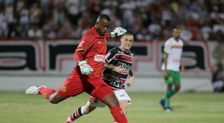 Pipico reclamou da atuação do árbitro Alinor Silva da Paixão.