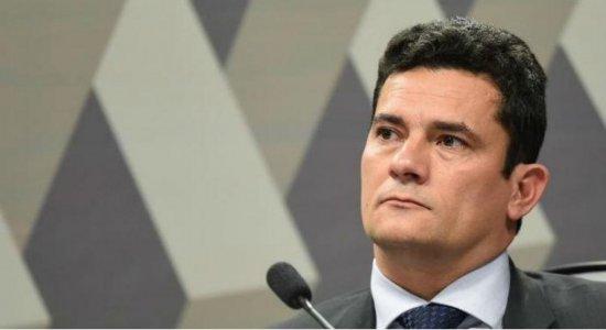 Moro pede à PGR abertura de investigação contra Felipe Santa Cruz