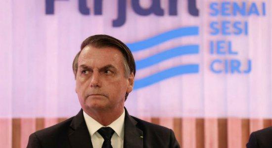 Bolsonaro chega ao Recife com protestos marcados e homenagem cancelada