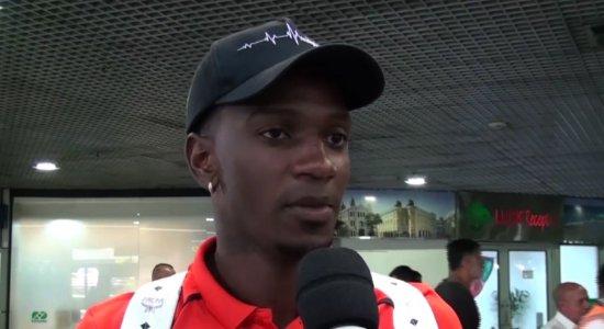 Brasileirão: atacante do Sport comemora vitória do time na Série B