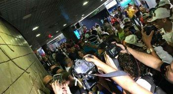 A chegada do técnico Milton Mendes no Recife causou grande tumulto no aeroporto