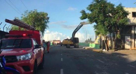 Desabamento: CTTU interdita Ponte de Afogados para remoção de entulhos