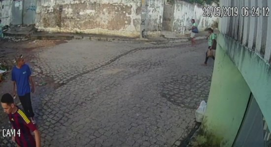 Vídeo: câmeras de segurança registram assalto na Zona Sul do Recife