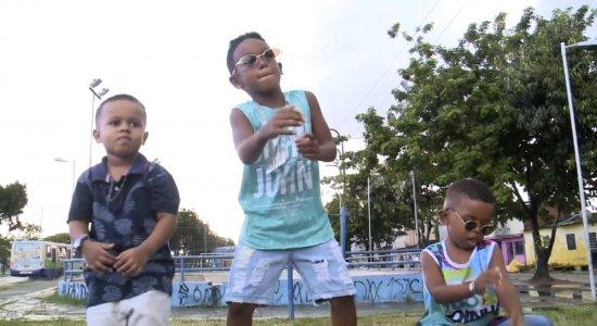 """Conheça a história dos """"novos dançarinos"""" do passinho no Recife"""