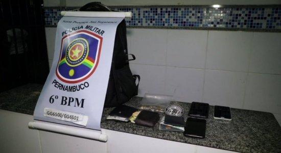 Dupla é presa suspeita de praticar assaltos no Jaboatão, na RMR