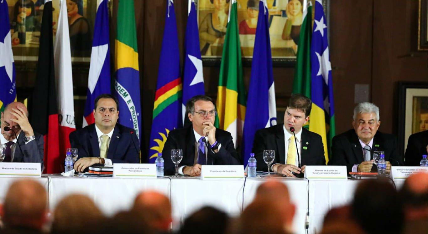 Em Pernambuco, Bolsonaro diz estar otimista com o futuro do Nordeste