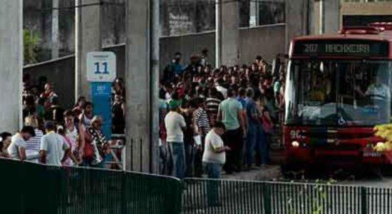Indenização a trabalhador agredido por passageiros no TI Macaxeira