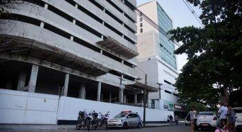 Acidente aconteceu no bairro da Ilha do Leite na construção de um prédio