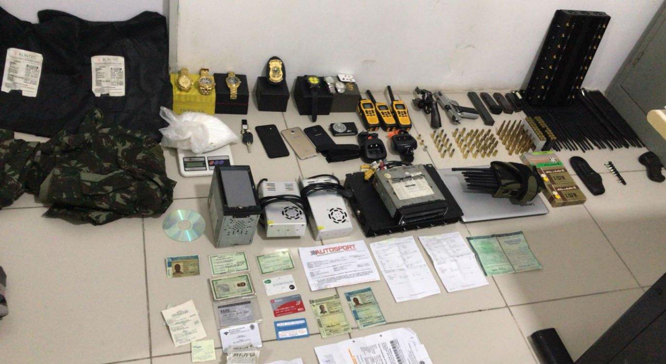 Suspeito de matar vereador de Floresta estava com duas armas, várias munições, entre outros