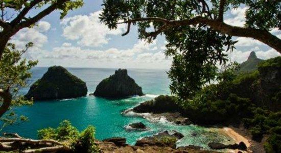 Ministro do Meio Ambiente vai a Noronha e promete recursos para a ilha