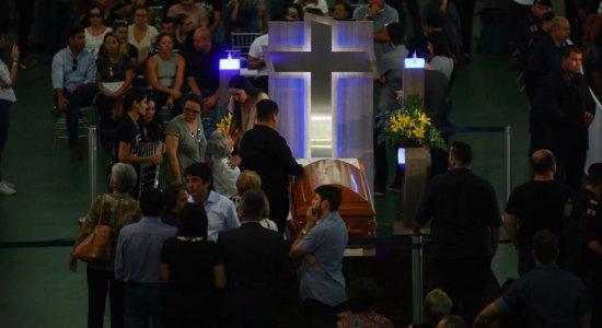 O corpo de cantor está sendo velado na Paraíba