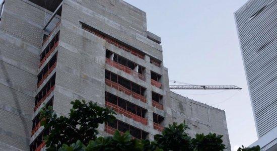 Trabalhador morre esmagado em obra no Recife