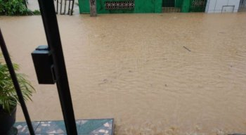 Somente na madrugada desta quarta, foi registrado um volume de chuva prevista para o mês de maio inteiro
