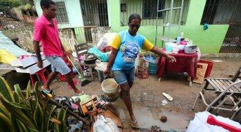 Bairros ficaram alagados e famílias desalojadas em Barreiros
