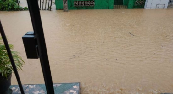 Alerta de chuvas para Região Metropolitana do Recife é estendido