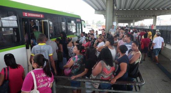 Com ônibus climatizados, passagem ficará mais cara no Recife