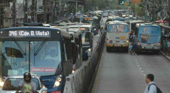 Grande Recife registra 21 assaltos a ônibus nas últimas 72 horas