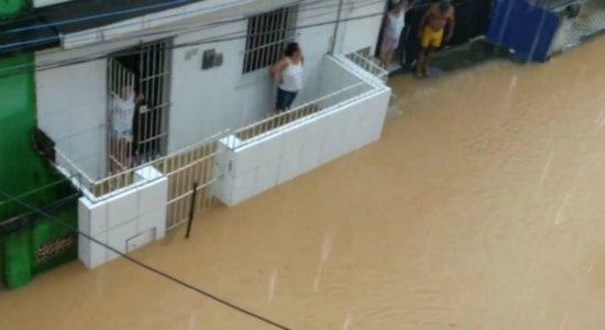 Chuvas geram alagamentos e interdições em Barreiros; APAC emite alerta