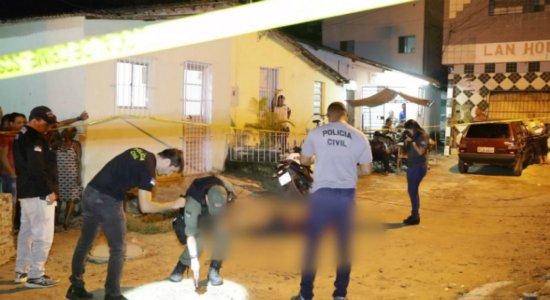 Homem é assassinado a tiros quando chegava a motel em Casa Amarela
