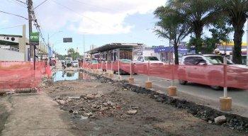 Trânsito está complicado na Avenida Caxangá