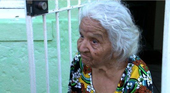 Campanha arrecada doações para filha de idosa que sofreu AVC