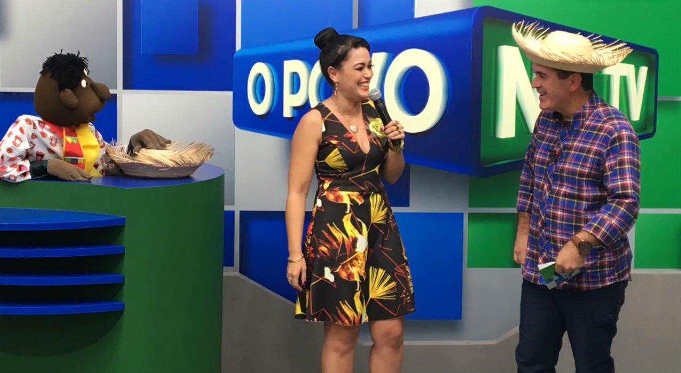 """Milene Pavorô participou do programa """"Povo na TV"""", com Dilson Oliveira e Boquinha"""