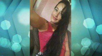 O corpo de Letícia Silva de Oliveira, de 29 anos, foi encontrado por moradores, por volta das 5h