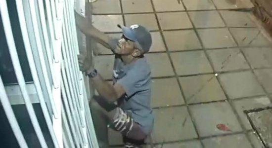 Polícia procura homem flagrado arrombando restaurante em Casa Amarela
