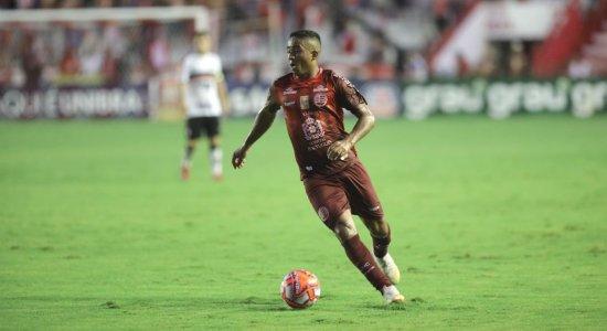 Jorge Henrique concorda com punição a atletas do Náutico envolvidos em show e festa no fim de semana