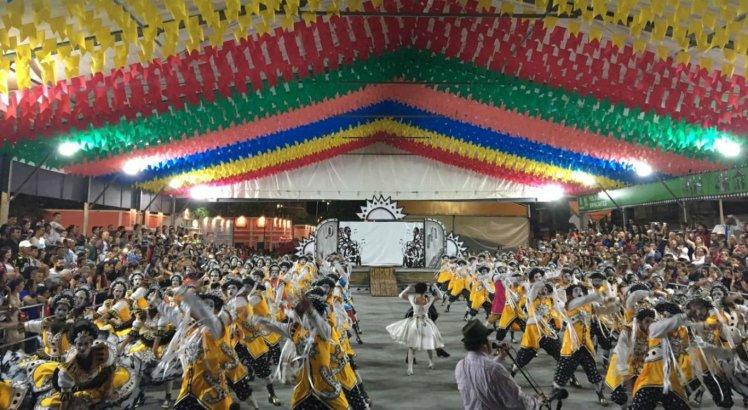 Quadrilhas juninas se apresentaram no Polo dos Brincantes, na Estação Ferroviária