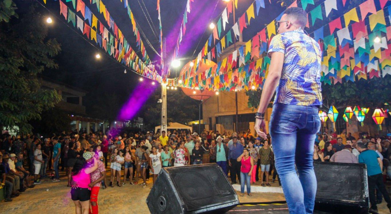 Banda Bicho do Mato foi uma das atrações do São João na Roça na Vila Rafael