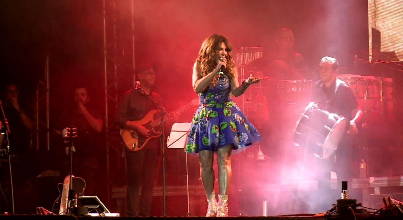 Uma das atrações mais aguardadas pelo público, Elba Ramalho se apresentou na primeira noite do evento