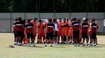 Equipe tricolor reunida no CT Ninho das Cobras