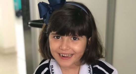 Vítima de acidente na Tamarineira, Marcelinha voltou para a escola