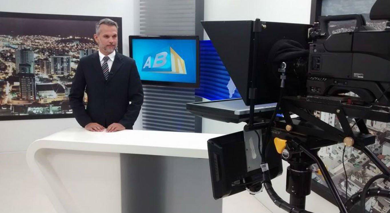 Jornalista Alexandre Farias foi baleado na cabeça pelos criminosos