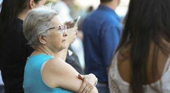 Para deputada, o que falta no Brasil é um programa voltado para a população dos idosos