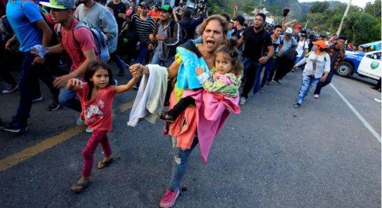 Estados Unidos cortam serviços para crianças migrantes em abrigos