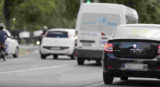 Bolsonaro apresenta lei para acabar com multas no transporte de crianças