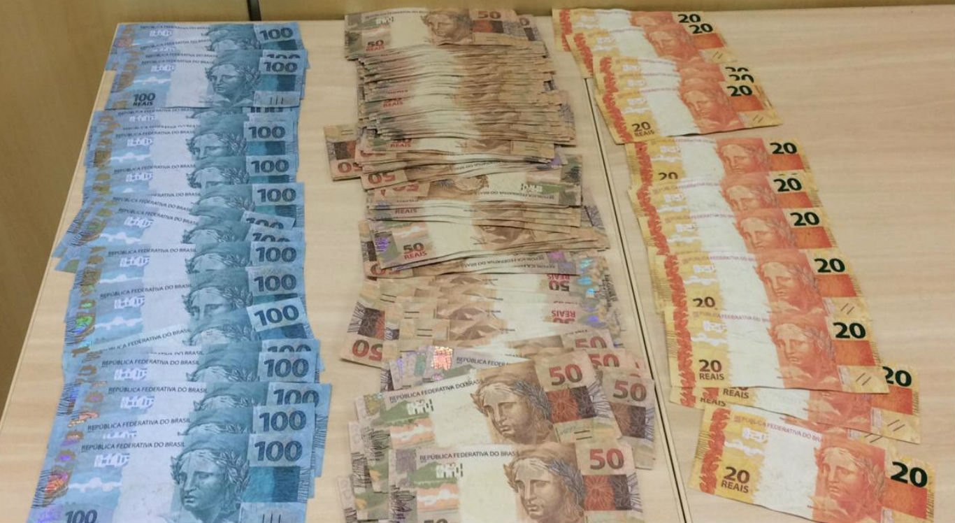 Notas falsas apreendidas foram levadas para a sede da Polícia Federal de Salgueiro