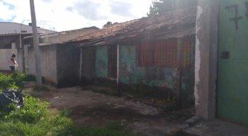 Homem foi encontrado morto dentro de casa em Abreu e Lima