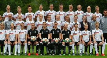 Pelo Grupo B, a bicampeã Alemanha enfrenta a China, às 10h, no estádio Roazhon Park, em Rennes
