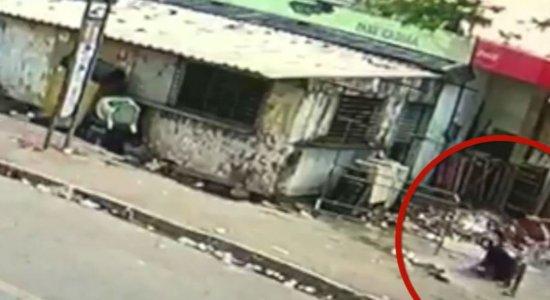 Vídeo: câmera filma dono de hamburgueria sendo morto na Zona Sul