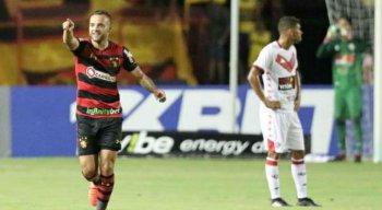 Guilherme foi destaque do jogo, marcando dois gols na vitória do Sport