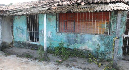 Aposentado é encontrado morto na própria casa em Abreu e Lima