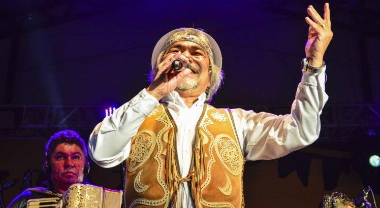 Cantor Santanna se apresentou no Alto do Moura e se apresentará novamente, no Monte Bom Jesus