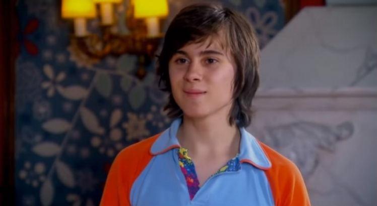 O ator ficou famoso ao interpretar o personagem Paçoca, em Chiquititas, exibida pelo SBT, em 2013